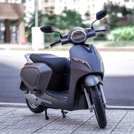 xe máy điện vinfast Klara màu ghi